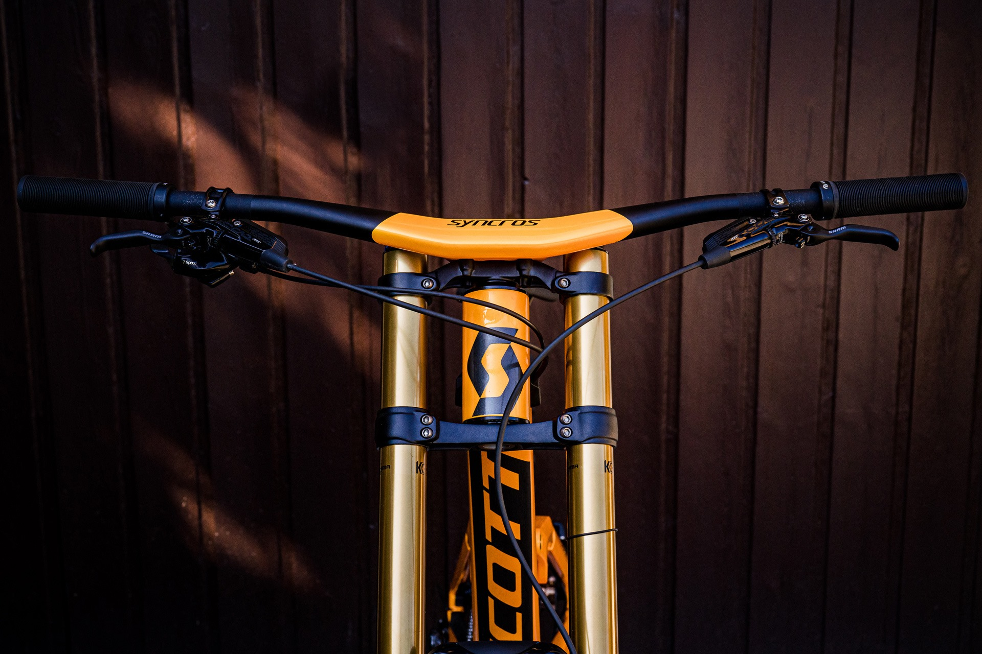 Downhill kolo Scott Gambler 2020